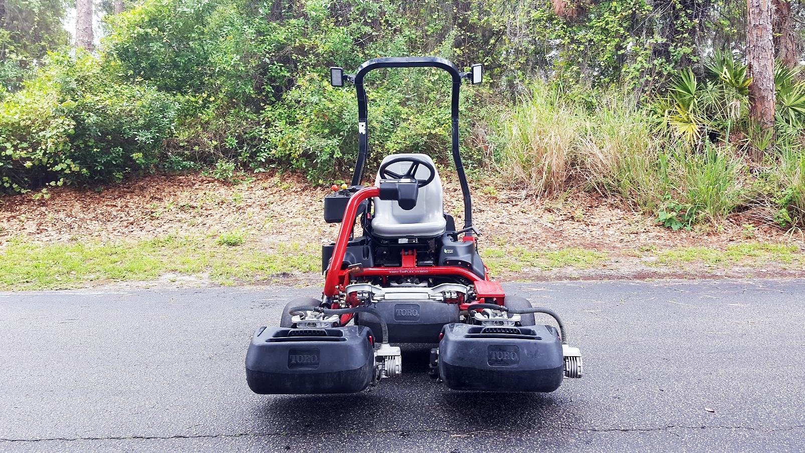 Toro Greensmaster 3320 Triflex Hybrid